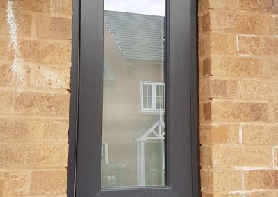slim sash modus with opal glass