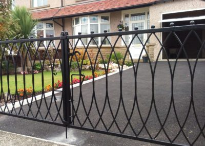 Galvanised and powdercoated steel gates